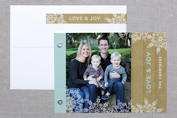 Snowlace and Kraft Minibook Holiday Photo Card Duncan Park Papers Laura Hankins for Minted